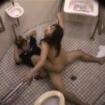 抗議殺到!障害者用トイレでSEXした男女の盗撮大問題映像!