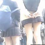 【本物JK盗撮動画】女子高生の下半身に異常な執着と情熱を持ち追跡するパンチラ隠撮映像