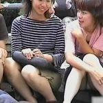 【パンチラ盗撮動画】平和の象徴である鳩さんと写ってしまった素人娘の純白パンティに興奮必須w