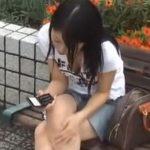 【胸チラ盗撮動画】街中でこれイケる!一瞬で見抜いたギャルの胸元からチチチラリズムGETw