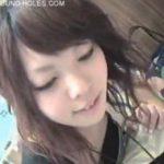 【胸チラと撮動画】激カワ美人店員さんの浮ブラ乳首GETが収録されたお宝映像にネット上が熱狂w