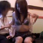 【SEX盗撮動画】ネットカフェでいちゃいちゃがエスカレートしてエッチの展開を盗撮!