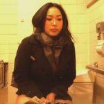 【女子トイレ隠撮動画】漏らす寸前に駆け込んできておしっこをするお姉さんのトイレ映像!