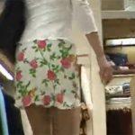 【パンチラ盗撮動画】レースのパンツがやたらにたらしいスタイル抜群のお姉さん!