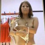 【着替え盗撮動画】フィッテングルームに隠しカメラ設置してギャルモデルの着替えを盗撮