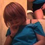 【オナニー盗撮動画】金髪ショートカットギャルが声を押し殺してトイレでオナル映像!!