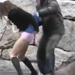 【悪戯盗撮動画】単独行動するギャルのスカートを白昼堂々と剥ぎ取って撮影する二人組鬼畜犯の栄光の軌跡!
