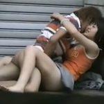 【SEX盗撮動画】完全ムナクソ!土曜オールした若者カップルが日曜日の早朝に路上で青姦セックス始めよった!