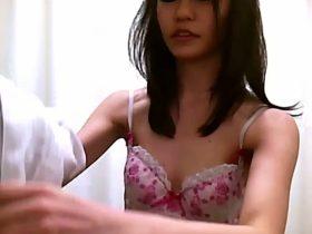 【盗撮動画】超S級スレンダー美女の色白美乳を鮮明撮り!現役医師の仕掛けたカメラが尋常でない有能ぶり発揮w