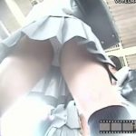 【パンチラ盗撮動画】清々しい朝日とハツラツとした可愛いJKのパンティのコントラストの素晴らしさにオレは感動した