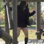 【隠し撮り動画】初めての彼氏と公園の遊具でパンチラしながら無邪気に戯れるロリ娘ミニスカJKの姿がエロすぎるw
