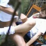 【SEX盗撮動画】昼間っから学校サボった制服高校生カップルが公園のベンチで青姦セックスに青春を燃やしていたw