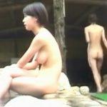 【女子風呂盗撮動画】野外露天の解放感と女体の風情溢れる絶景!素人女性の乳房や恥部をじっくり堪能したいw