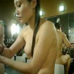 【女子風呂盗撮動画】二人組全裸ギャルの被写体レベルがMAX突き抜け!手前は前田敦子似のスレンダー美女w