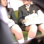 【パンチラ盗撮動画】制服女子高生やお姉さんの太股の隙間が形成する魅惑のデルタゾーンから生パンティを視姦w