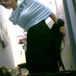 【リアル盗撮動画】マジもん観覧注意!着替え中のパートのおばちゃん達の映像!これ見ると嫁を働きに出せない!