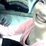 【神動画】胸チラ盗撮映像の中でも傑作中の大傑作!超高画質で見る美人ショップ店員の乳首GETに発狂者続出w