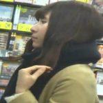 【パンチラ盗撮動画】ホントに普通のちょっと可愛い女の子のパンティを単に逆さ撮りしただけの映像がお宝すぎるw