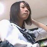【パンチラ盗撮動画】ビッチ臭ただようギャルから生娘JK美少女まで街中でパンティを撮りまくったお宝を限定公開w