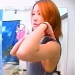 【隠し撮り動画】水着を試着中の乳首がエロい美人お姉さんが重用なマ●コまで無断撮影されてネット上に晒された!