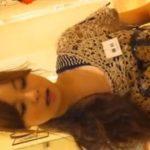 【盗撮動画】美人ショップ店員の一生懸命な接客以上に熱心に胸元やスカート内を隠撮しまくる映像が絶賛拡散中w