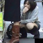 【パンチラ盗撮動画】無意識の内にパンティをチラ付かせてしまう街中のギャル達を発見しては撮影した映像がこれw