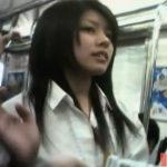 【パンチラ盗撮動画】正統派美少女のJKに狂って数日間もストーカー行為をしてパンティを撮影した曰く付き映像!
