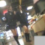 【パンチラ盗撮動画】JKマニア必見の傑作お宝映像!放課後の美少女に付き纏って極上のパンティを逆さ撮りw