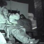 【SEX盗撮動画】ニューバランスのスニーカーを履いた彼氏のチ●ポを咥えて挿入まで許した美人ギャルw