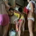 【観覧注意】激ヤバ完璧なリアル盗撮映像!秘密の花園である女脱衣所で若いピチピチギャルの裸体を捕獲w