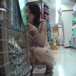 【パンチラ盗撮動画】可愛いギャルを狙って下半身を粘着撮り!素晴らしい股間やアナル解禁済みの強者発見w