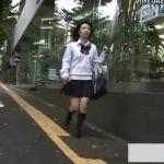 【パンチラ盗撮動画】通学中の美少女JKを尾行して階段で逆さ撮り!激カワパンティとしっとり太股がナイスw