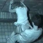 【SEX盗撮動画】中々の持久力で青姦立ちバックを楽しんで精液を美尻にかけられたギャルの姿を捕獲したw