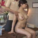 【SEX盗撮動画】オイルマッサージで類まれな美巨乳と陰部を弄くられてテカテカな美人若妻が寝取られた!