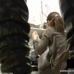 【パンチラ盗撮動画】可愛いギャルの股間を撮影するとマニア以外は食事時に見れない状態でしたw