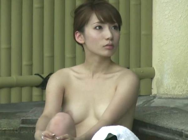 【盗撮動画】奇跡の女子風呂映像!あり得ない美貌の色白人妻やピチピチ美人OLの全裸を高画質収録!