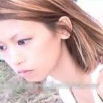 【盗撮動画】乳首GET最高な胸チラ映像!タンクトップ激カワ若妻の胸元のポッチリ生乳頭を完全攻略w