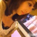 【隠し撮り動画】美人ショップ店員のパンチラを逆さ撮りする犯人は逮捕されたが作品は流通している!