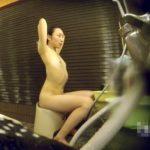 【HD盗撮動画】女子風呂潜入映像!スレンダー美人お姉さんの素晴らしき裸体を捕獲に成功したw