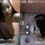 【盗撮動画】プール施設を利用するパイパン美少女達の放尿現場!複数カメラで見る憐れもなく可愛い姿w