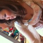 【盗撮動画】美人で巨乳過ぎるショップ店員さんのパイオツくぎ付けアングルがエッチ過ぎる胸チラ映像w