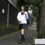 【盗撮動画】激カワJK通学中に無許可で尾行してスカート内から甘酸っぱいパンチラを撮影に成功したw
