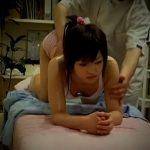 【SEX盗撮動画】スポブラ美少女を丸裸にしてしまい中出しレイプで貫通させるロリコン猥褻マッサージ師!
