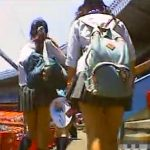 【盗撮動画】野球観戦に来た制服JKのパンティが見放題!長く傾斜の急な階段が絶好パンチラスポットw
