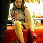 【HD盗撮動画】アジアンビューティーなモデル系美女の股間からパンチラ捕獲!フェロモンダダ漏れ過ぎw