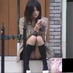 【盗撮動画】ご覧のとおりのスレンダー激カワ美少女の股間から美味しそうなピンキーパンチラをGETしたw