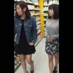 【盗撮動画】お買い物中の激カワ女子大生二人組に店内で粘着!極上の下半身からWパンチラを大攻略w