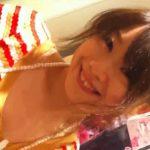 【隠し撮り動画】接客中の美人ショップ店員のお姉さんの胸チラを覗こう!ガードの薄い谷間を皆で共有するw