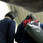 【HD盗撮動画】駅構内で発見した仲良しJK二人組を高画質カメラを所有した変態が尾行してパンチラ撮影!
