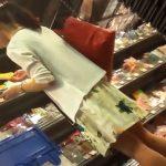 【盗撮動画】かの有名な某LOFT店内で清楚な美人お姉さんに粘着してパンチラを逆さ撮りした本物映像w